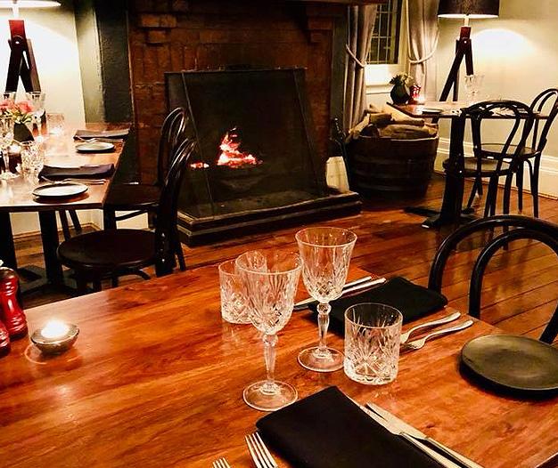 Henry's Bar and Restaurant